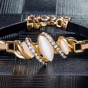 NEW Women's Austrian Crystal Leather Bracelet